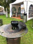 Dutch Oven auf der Feuerplatte