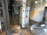 Schaufenster mit Feuertonnen in Attendorn